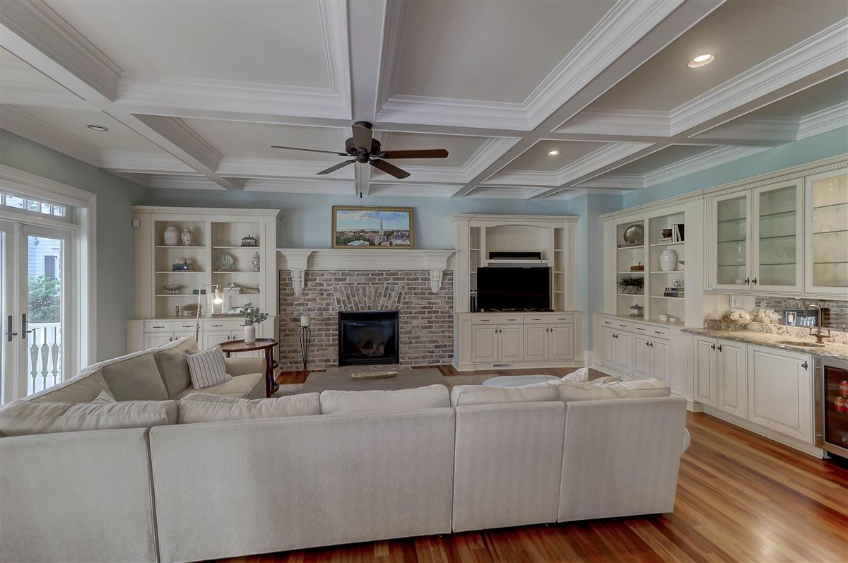 Luxury homes in One of Mount Pleasants finest homes