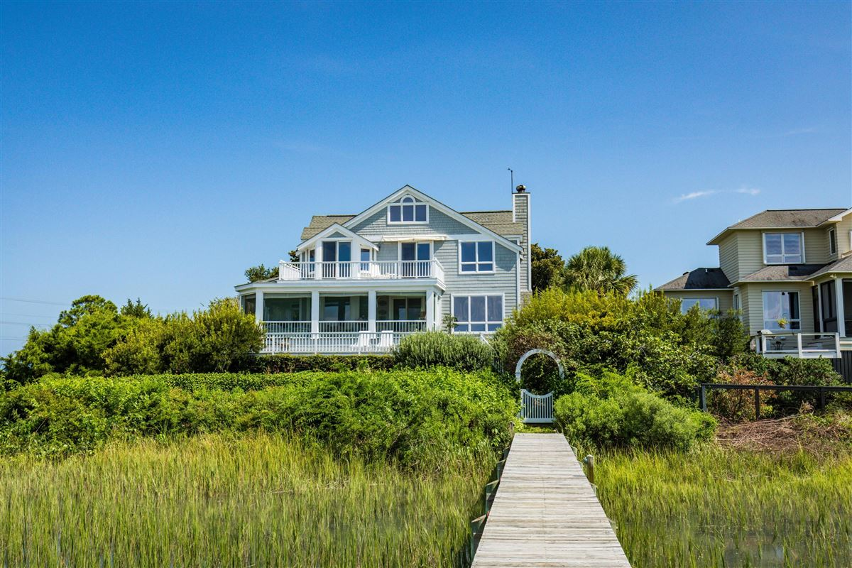 Luxury homes in truly unique location on the island