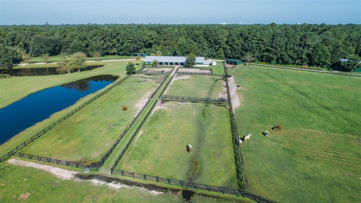Luxury homes Brick Church Farm in charleston