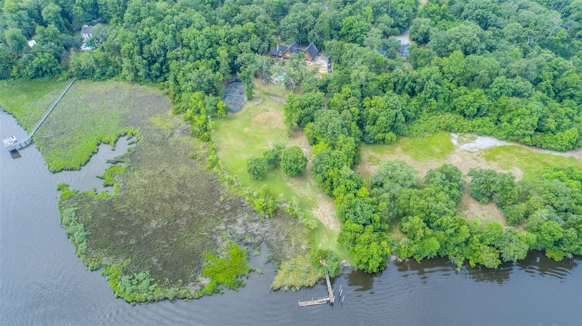 Luxury properties 5 acre wooded estate on the Ashley River