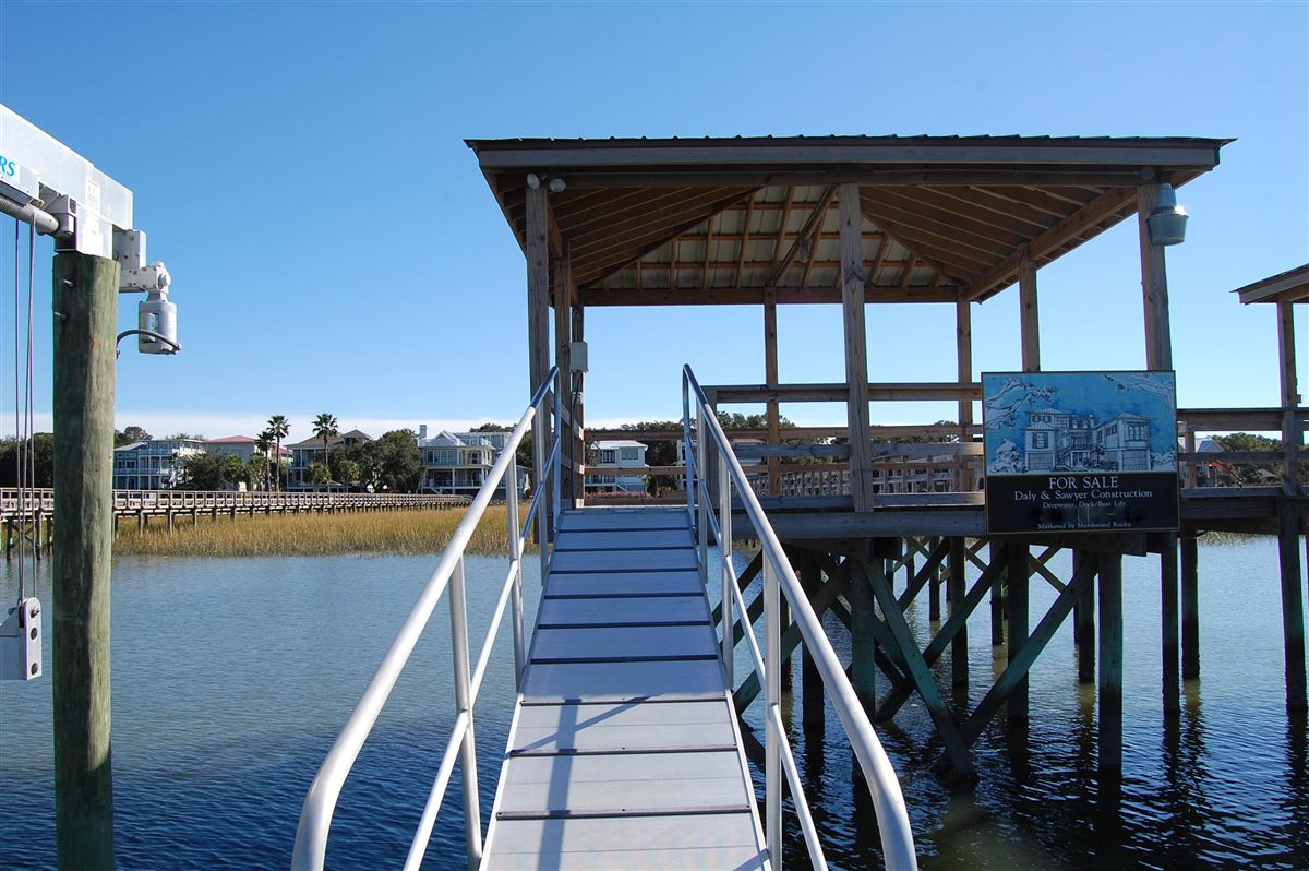 Luxury properties unique waterfront property