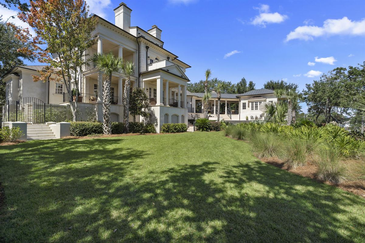 Mansions in three-story deepwater home on Ralston Creek