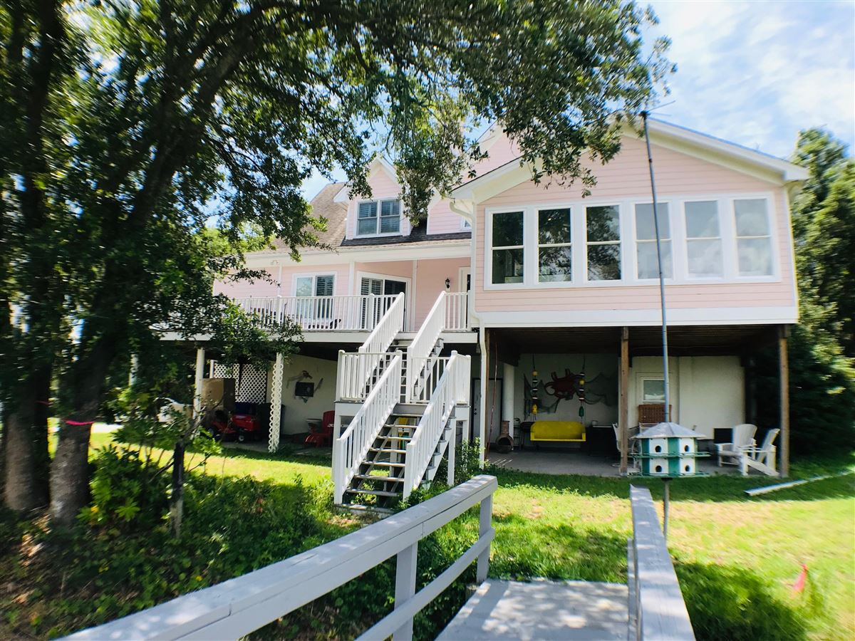 gorgeous waterfront property for rent mansions
