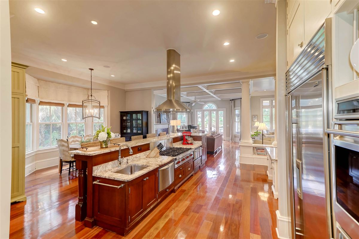 High bluff with expansive views luxury real estate