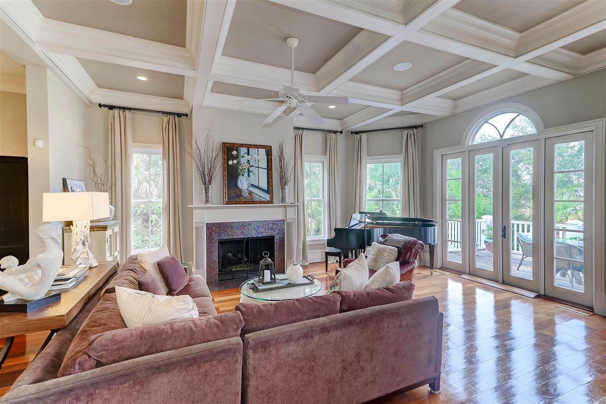 Mansions in High bluff with expansive views