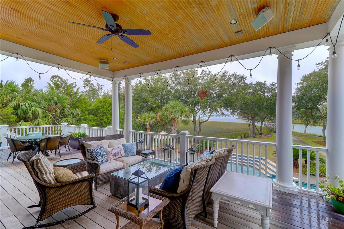 High bluff with expansive views luxury homes
