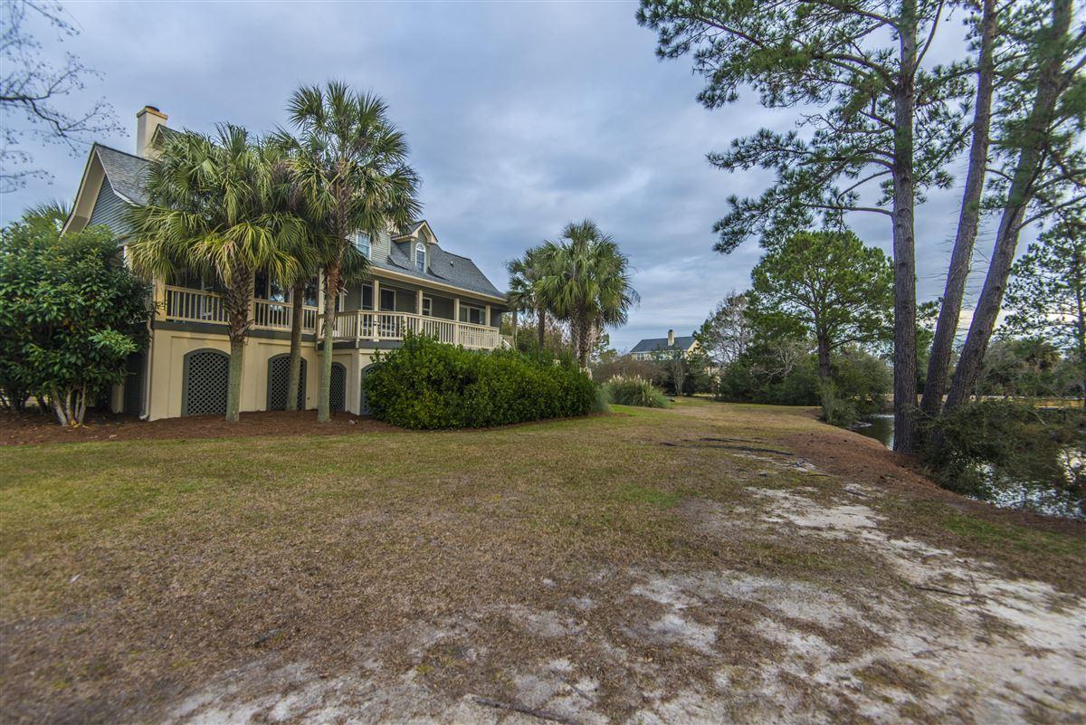 Luxury properties rental on the lake in Headquarters Plantation