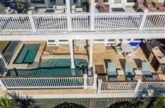 Palm Breeze luxury properties