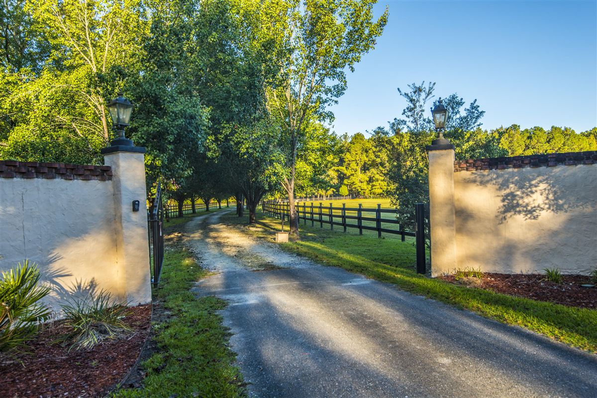 Luxury homes live the equestrian dream in heart of cottageville