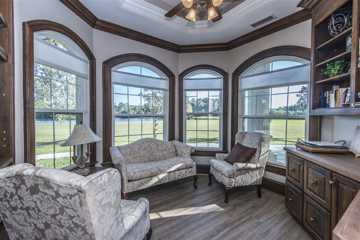 Luxury real estate live the equestrian dream in heart of cottageville