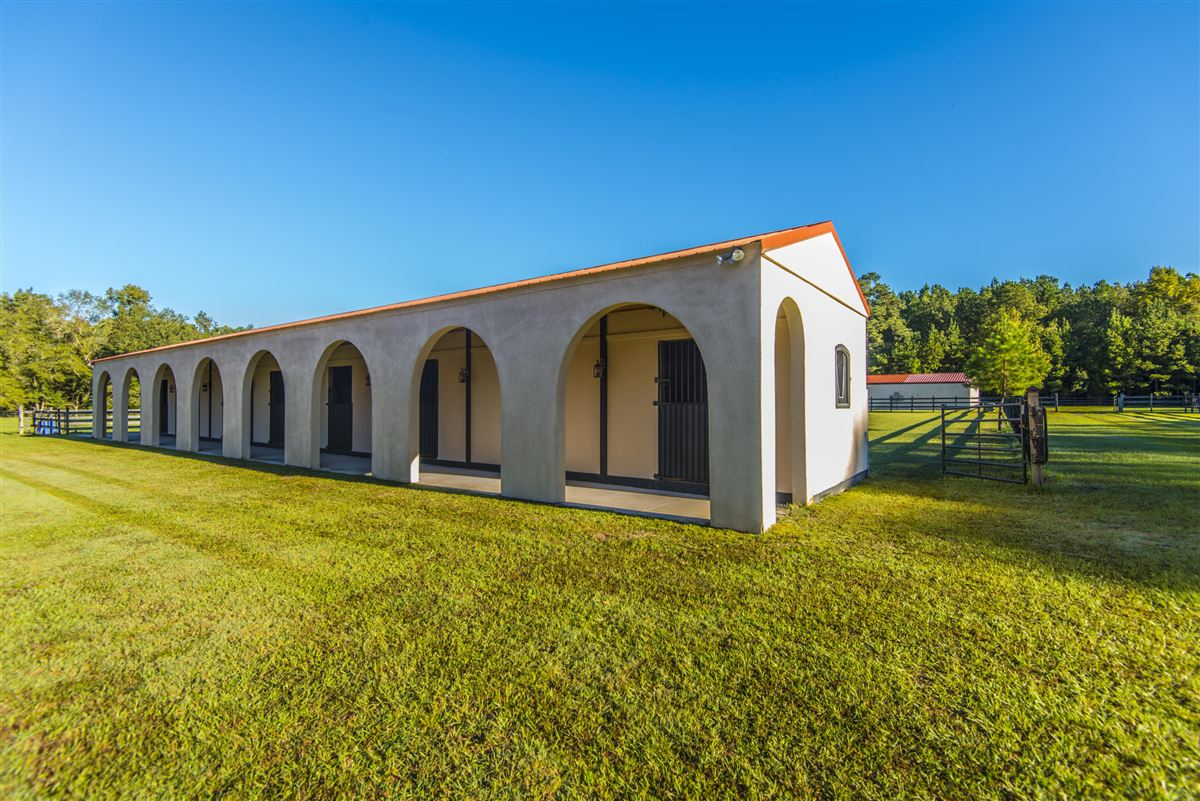 live the equestrian dream in heart of cottageville luxury properties