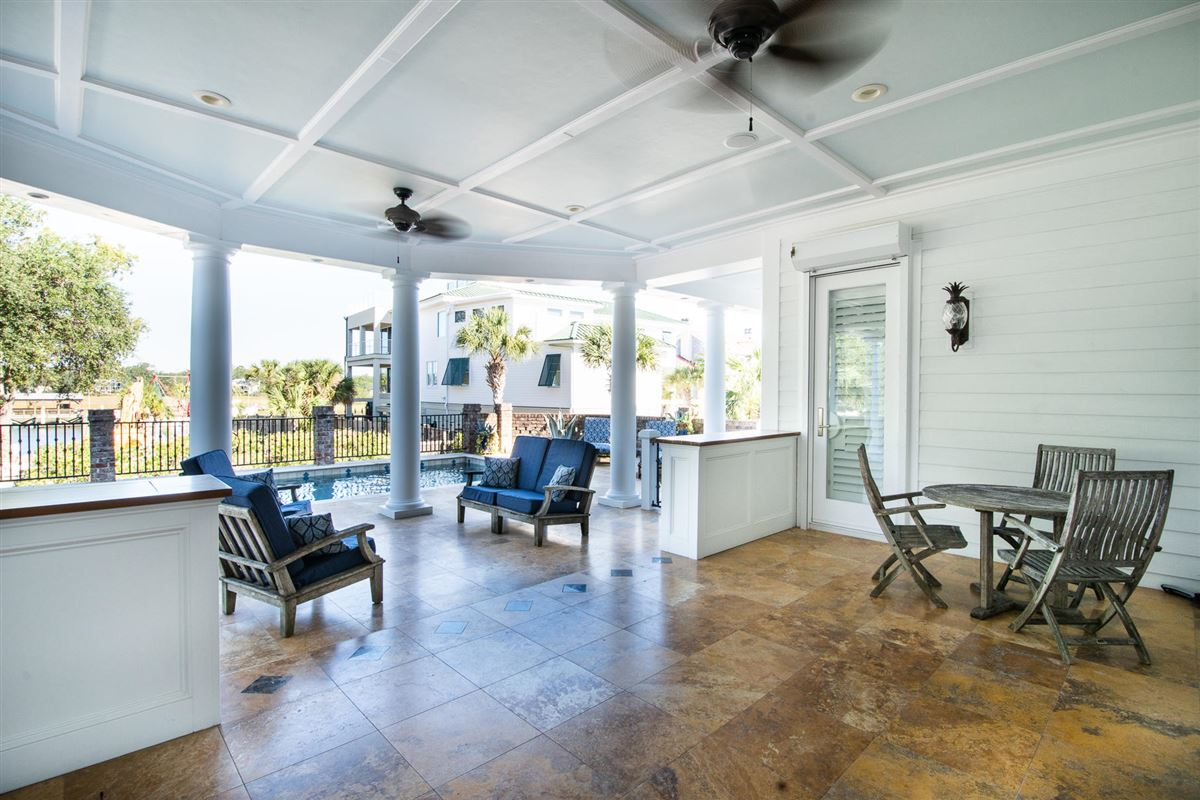 Mansions perfect blend of traditional and modern in prestigious location