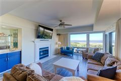 Welcome to a magnificent third floor luxury condominium luxury real estate