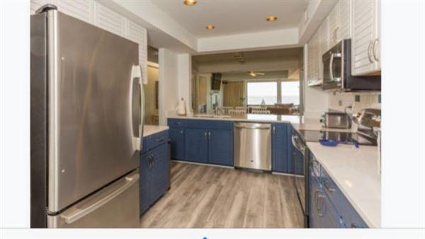 Luxury homes Welcome to a magnificent third floor luxury condominium