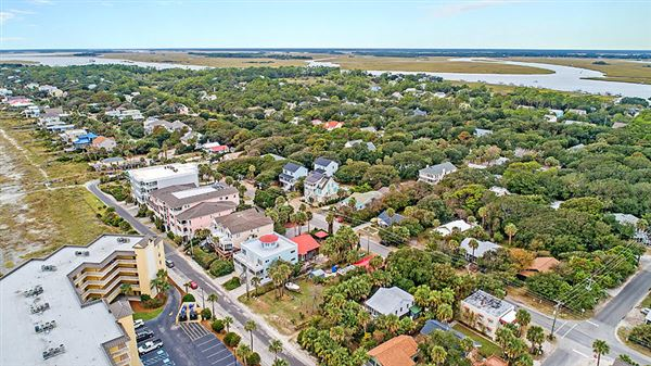 Luxury properties A great opportunity in folly beach