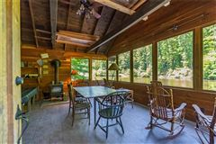 Serenity Lake Lodge in nashville luxury properties