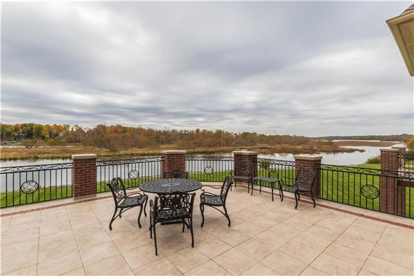 waterfront gated estate luxury homes