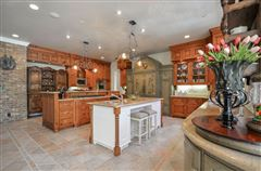 COMFORTABLE Country French home luxury real estate