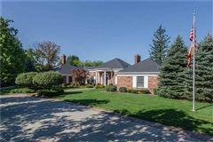 Mansions Beautifully updated Washington Township home