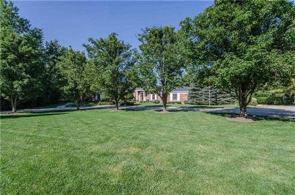 Beautifully updated Washington Township home luxury properties