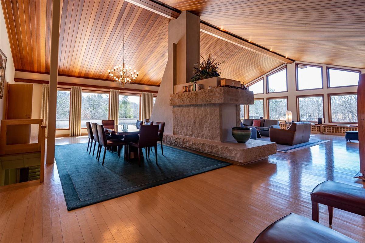 a 590-acre kingdom luxury real estate