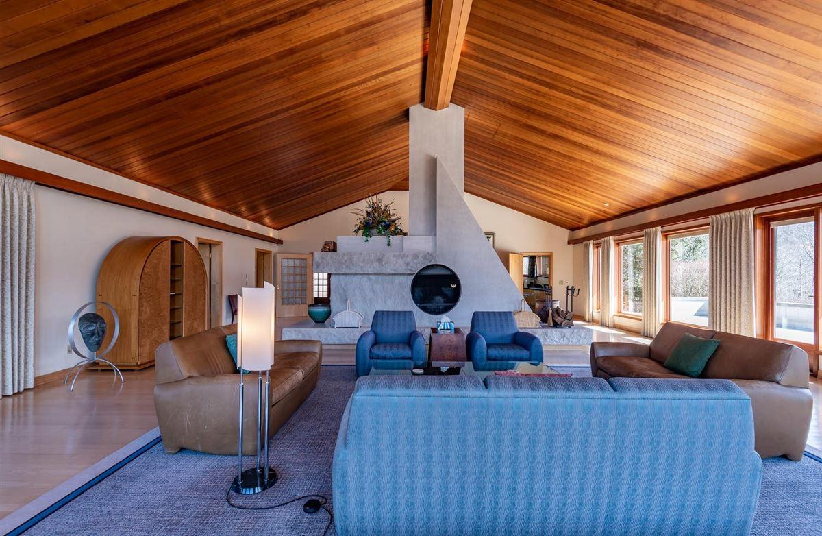 a 590-acre kingdom luxury properties