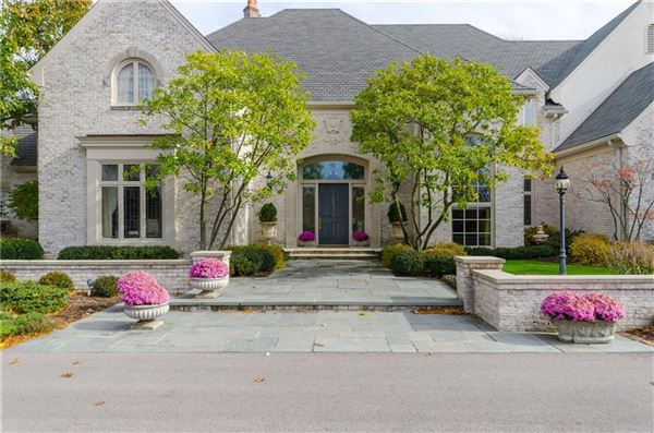 Mansions uncompromising quality in exclusive Laurelwood