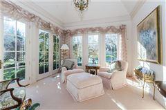 uncompromising quality in exclusive Laurelwood luxury properties