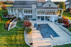 Gorgeous estate with stunning views luxury properties