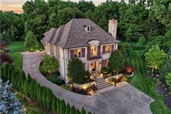 Luxury properties breathtaking timeless beauty