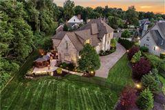 Luxury homes in breathtaking timeless beauty