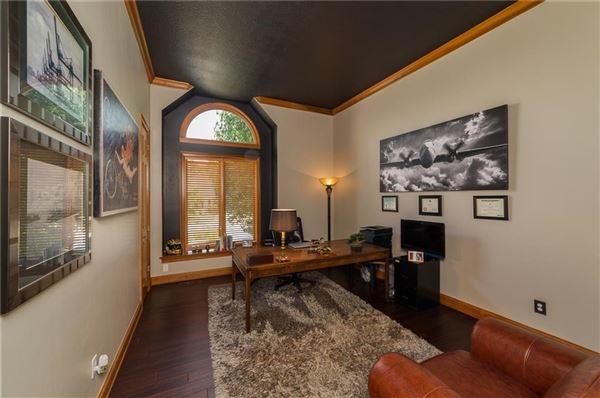 Luxury properties wonderful Geist Waterfront home
