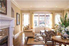 Elegance and sophistication mansions