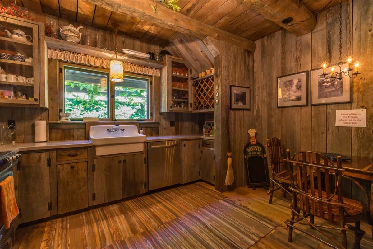 Luxury homes true rustic retreat