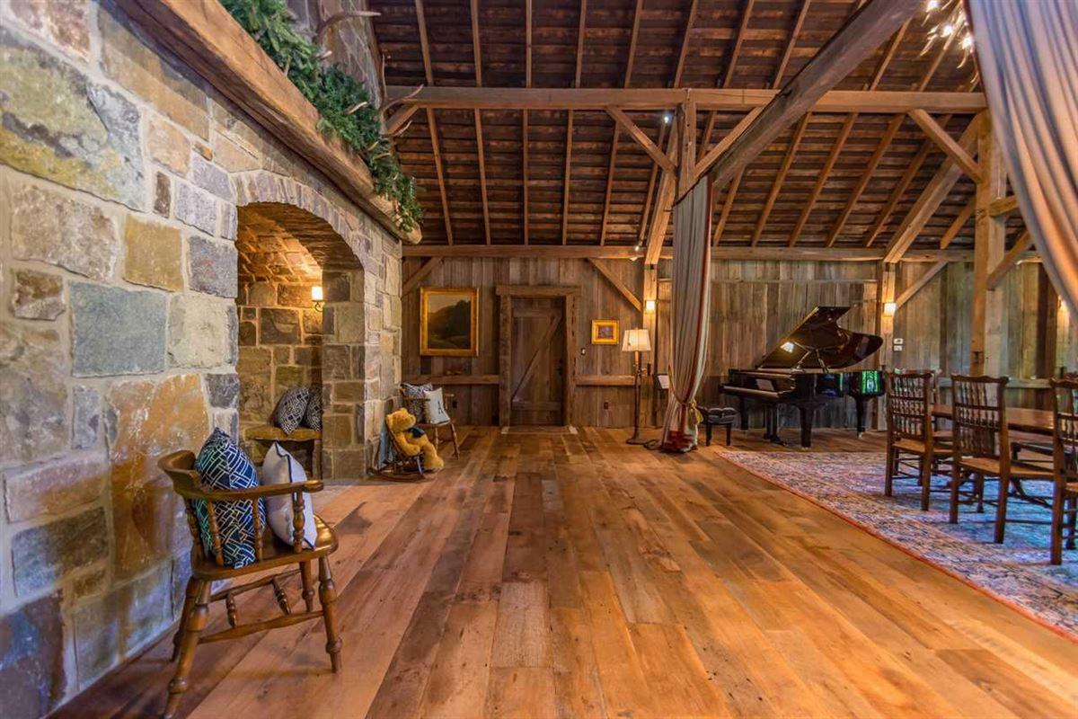 true rustic retreat luxury properties
