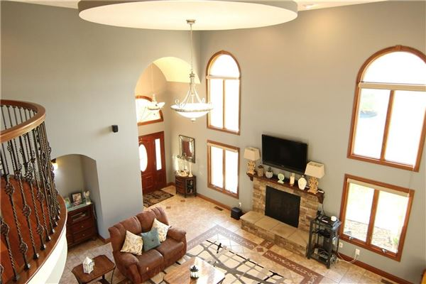 Beautiful 12 acres in Alexandria  mansions