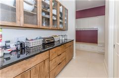 Luxury homes an Extraordinary Bridlebourne estate