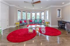 Mansions in an Extraordinary Bridlebourne estate