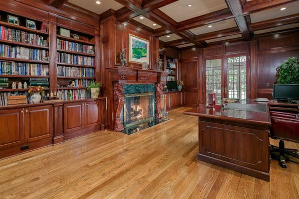 Luxury real estate jewel in the heart of Bedminster