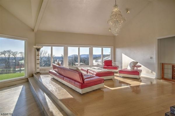 A retreat with panoramic views luxury real estate