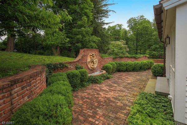 Luxury real estate Hopeland