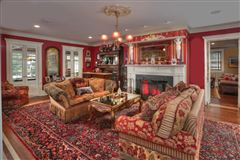 Elegant 1914 Colonial revival home mansions