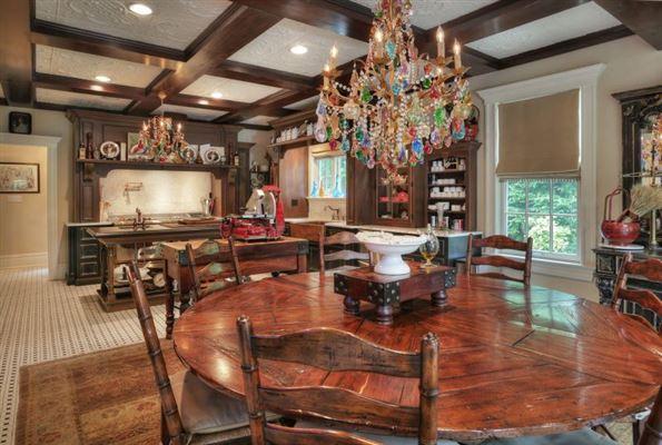 Luxury homes Elegant 1914 Colonial revival home