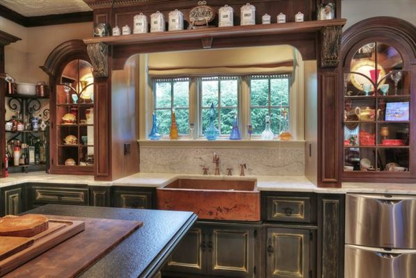 Luxury real estate Elegant 1914 Colonial revival home