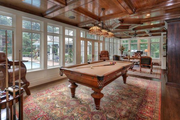 Elegant 1914 Colonial revival home luxury real estate