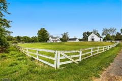 Traditional Farmhouse on 67 acres mansions