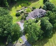 Mansions in Stone Horse Farm in tewksbury township