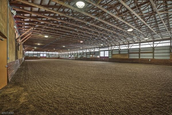 Luxury properties Stone Horse Farm in tewksbury township