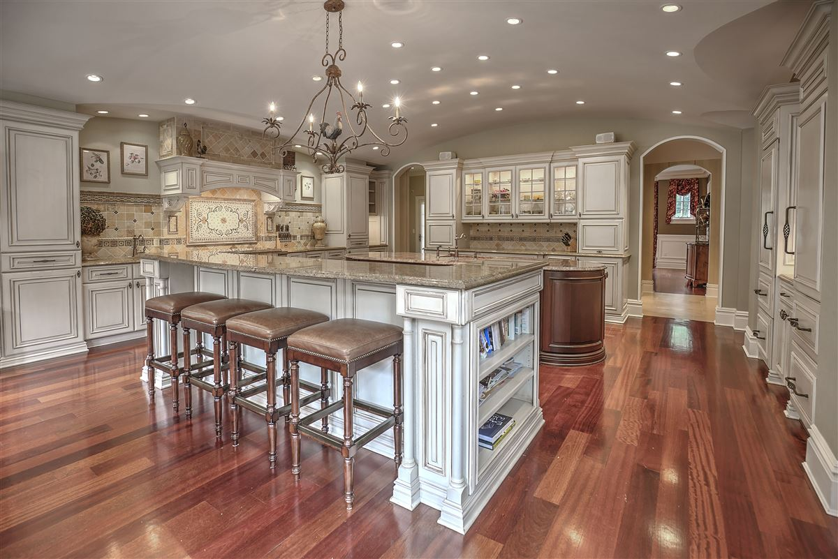 Luxury properties Grand Bernardsville Mountain Estate