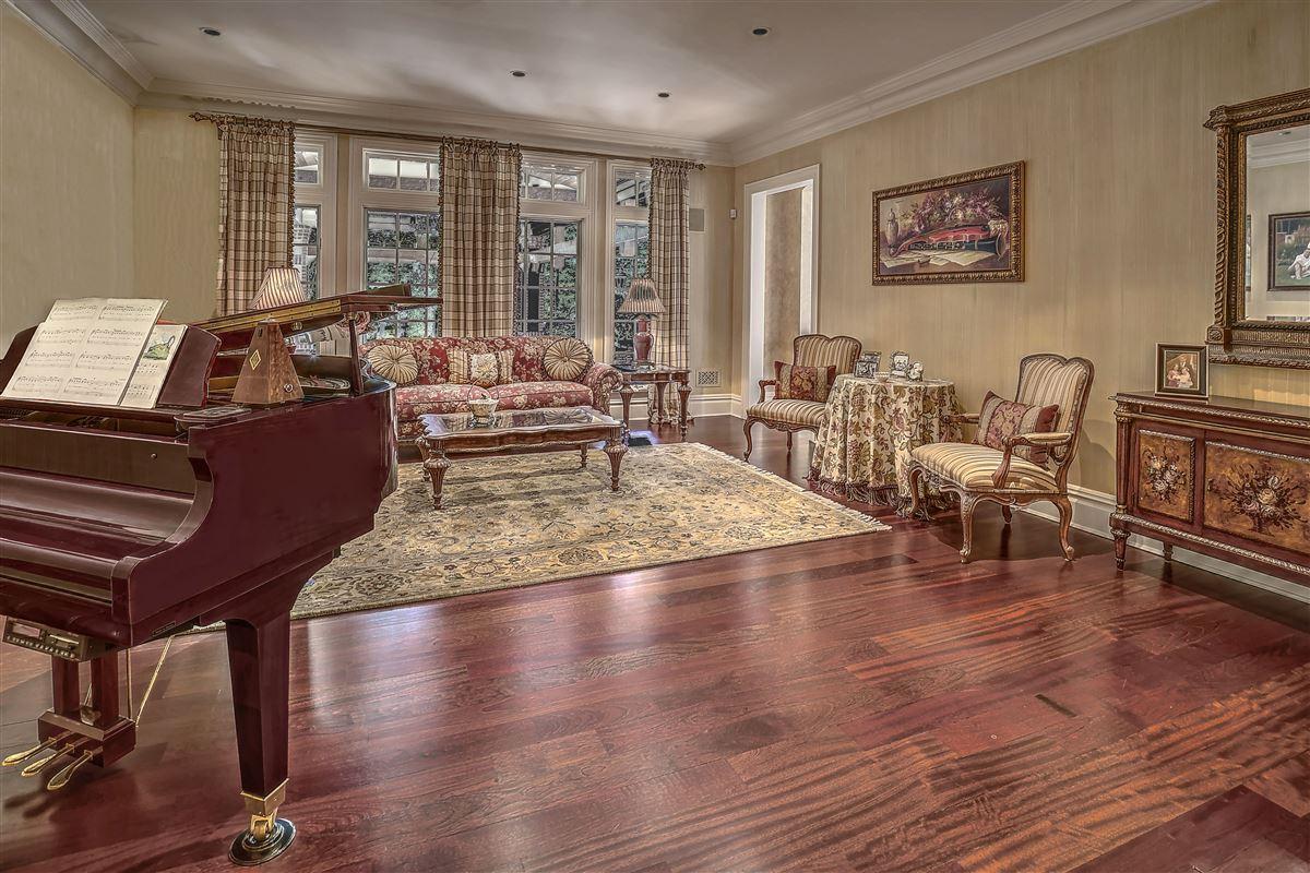 Grand Bernardsville Mountain Estate mansions